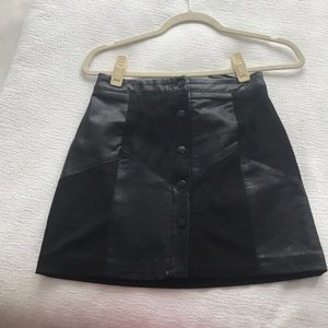 FOREVER21 FAUX LEATHER SKIRT SIZE S